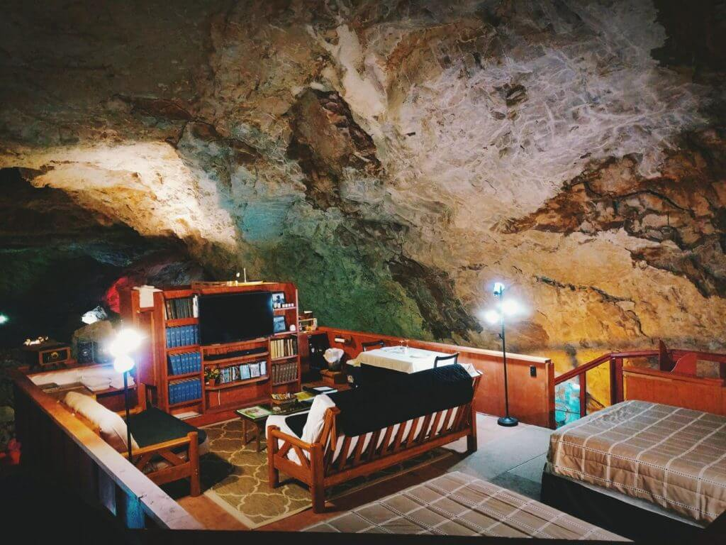 Photo of the Cavern Suite along Historic Route 66 in Arizona.